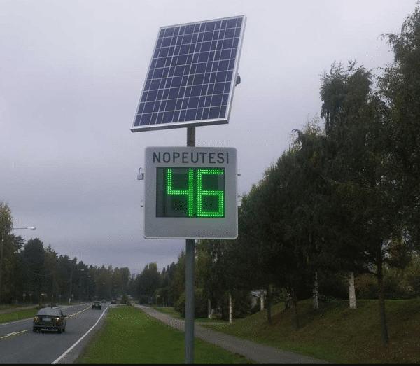 Nopeusnäytön aurinkopaneeli