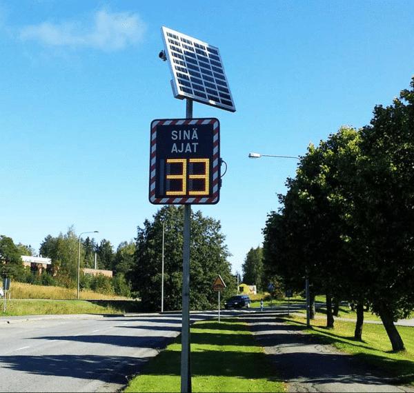 Nopeusnäytön aurinkopaaneli
